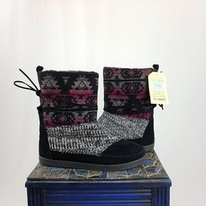 Tom's Nepal Black Suede Grey Fuschia Tribal US 12